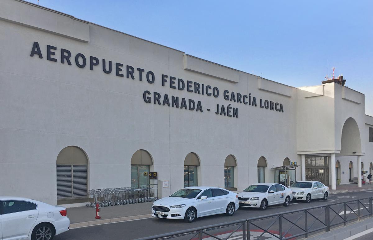 Resultado de imagen de AEROPUERTO DE GRANADA