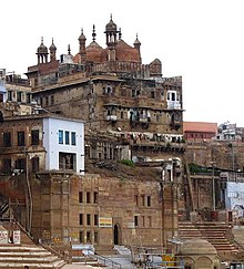 Alamgir Mosque by the Ganges ghats, Varanasi.jpg