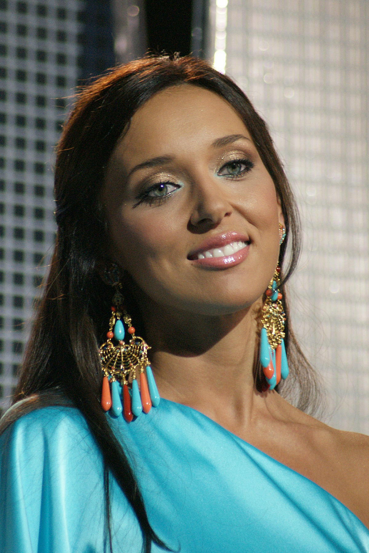 Alsou went to have a third child for 1 million rubles