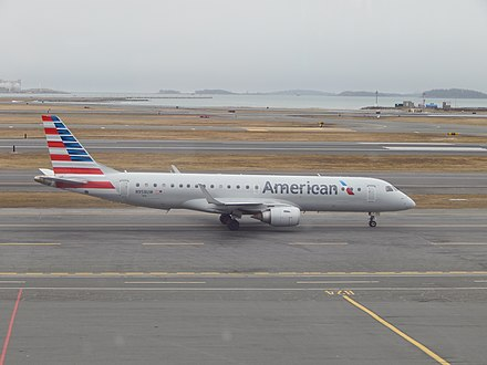 American Airlines E-190 N958UWat BOS (33657698361).jpg