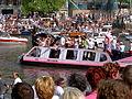 Amsterdam Gay Pride 2004, Canal parade -011.JPG