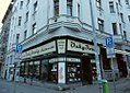 Antikvariát a kavárna Ouky-Douky v Praze 8 - Holešoicích.jpg