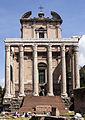 Antoninus Pius och Faustinas tempel.jpg