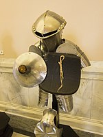 Armour for jousting 2 (14247039618).jpg