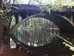 Arrawanna Bridge on Coginchaug Middletown CT.jpg