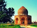 120px-Asif_Khan%27s_Mausoleum dans Politique