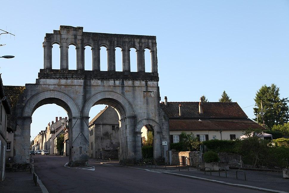 Autun Porte Arroux PA00113093 06 JPM