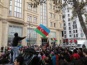 Azerbaijani people celebrating victory in Karabakh. Bulbul avenue2.jpg