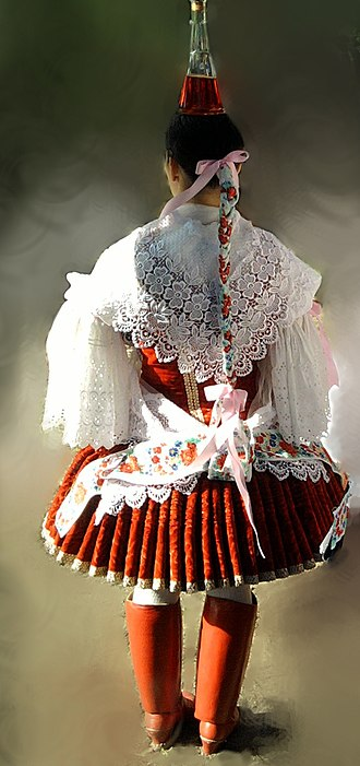 Bíňa - Image: Bényi népviselet