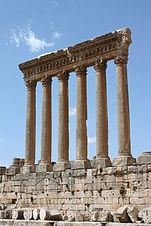 Lebanon-Tourism-Baalbek - temple of Jupiter