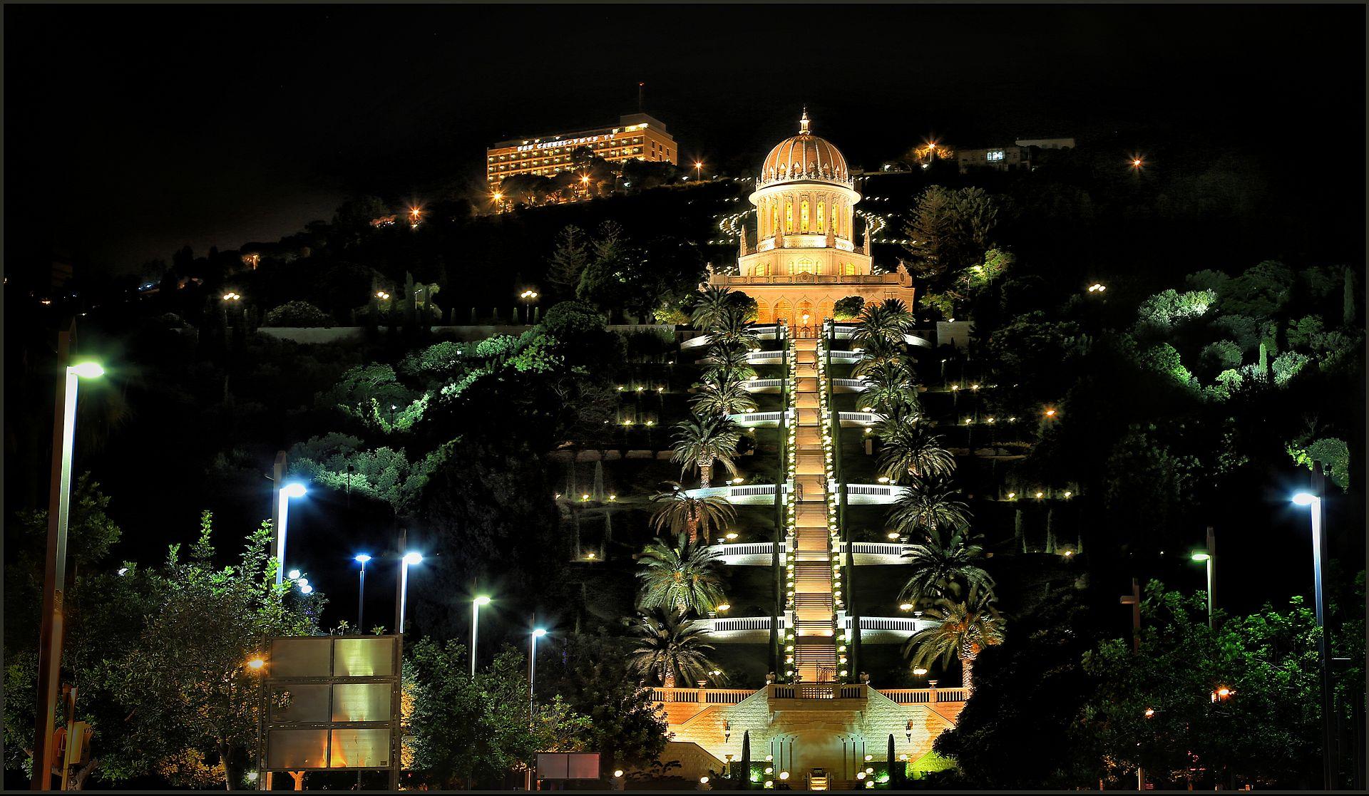 1920px-Bahai_Garden_in_Haifa_Israel.jpg
