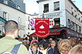 Bannière de la Confrérie de l'Ail de Piolenc à la Fête des Vendanges de Montmartre.jpg