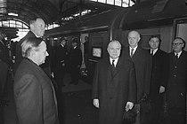 Belgische Minister President G. Eyskens en minister van Buitenlandse Zaken P. Ha, Bestanddeelnr 922-0717.jpg