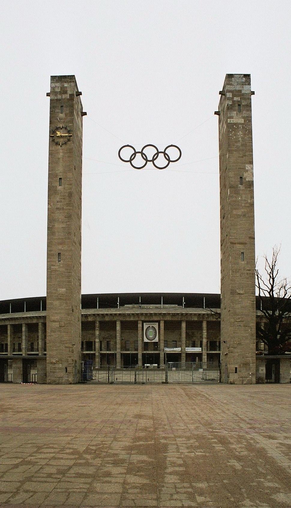 Berlin olympiastadion main entrance olympic rings dec 2004