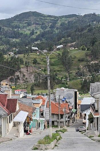 Bibli%C3%A1n Ecuador 08a