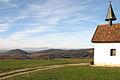 Blick von der Saalenbergkapelle in Sölden über das Schönbergmassiv und das Rheintal auf die Vogesen.jpg