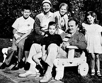 The Hope family. Back, from left: Tony, Dolores, and Linda. Front, from left: Kelly, Bob, and Nora. Bob Hope and family.jpg
