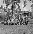 Bosbewerking, arbeiders, gebouwen, groepsfoto's, Bestanddeelnr 251-7749.jpg