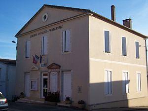 Bouglon - The town hall in Bouglon