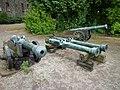 Braunfels - Schloßhof mit Kanonen.jpg