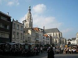 Grote Kerk (Nhà thờ lớn) hay Onze Lieve Vrouwe Kerk (Church of Our Lady)