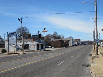 Binghampton, Memphis - Broad Avenue (2010)