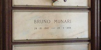 Bruno Munari - Munari's grave at the Cimitero Monumentale in Milan, Italy, in 2015