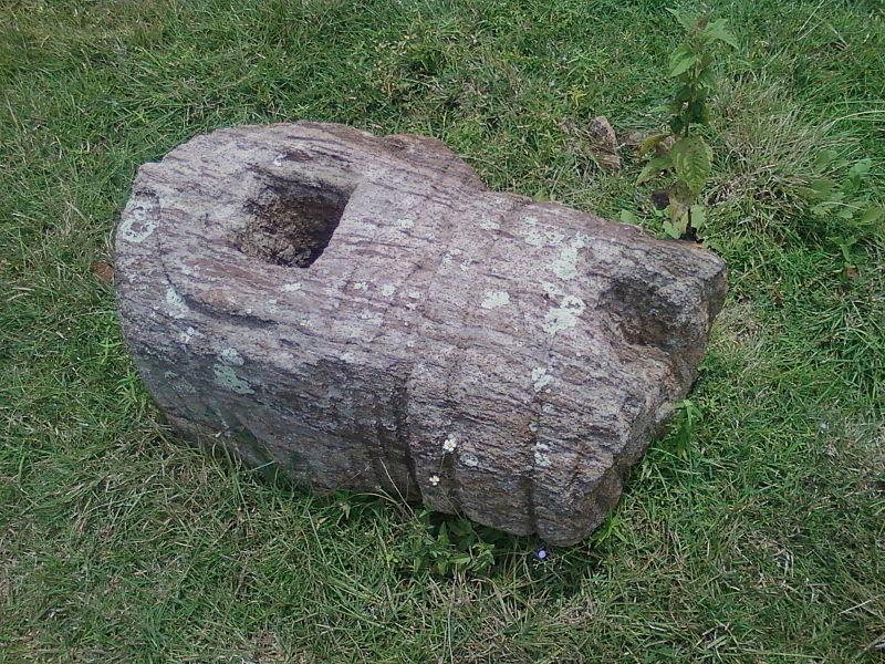 File:Buddhist relief Pavurallakonda Site Bheemunipatnam.jpg
