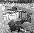 Bundesarchiv B 145 Bild-F024503-0011, Karlsruhe, Bundesgartenschau, Gartenhofhäuser.jpg