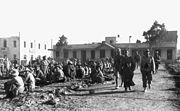 Bundesarchiv Bild 101I-785-0299-24A, Tobruk, Rommel, Bayerlein, englische Kriegsgefangene.2