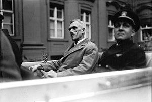 Ludwig Dürr - Dr. Ludwig Dürr (centre), 1928.