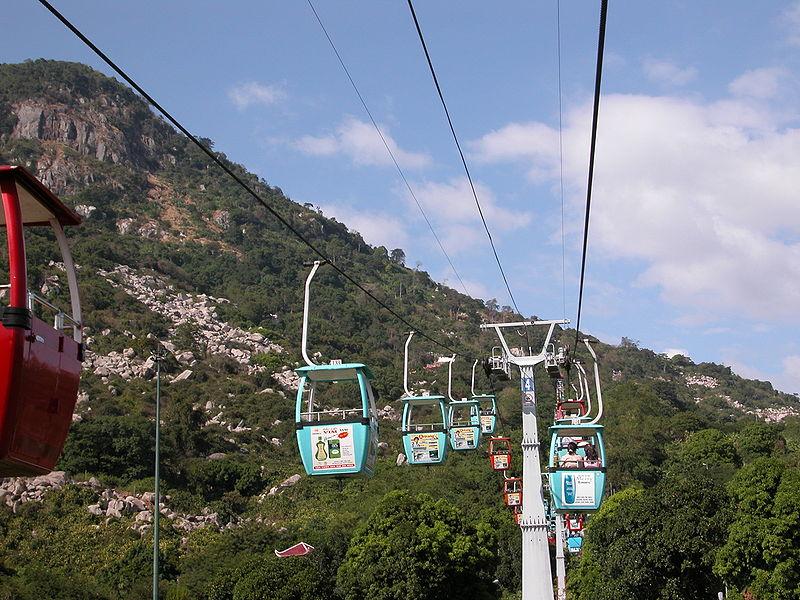 Tập tin:Cáp treo núi Bà Đen.JPG