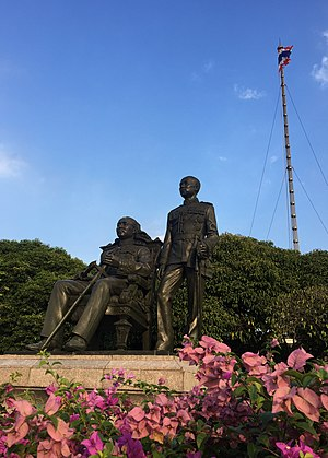 Chulalongkorn University - Statue of King Chulalongkorn and King Vajiravudh