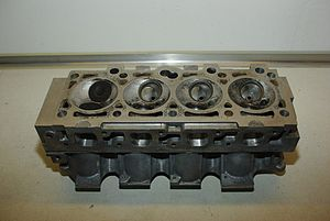Ford CVH engine - 1.6 CVH cylinder head, combustion chambers