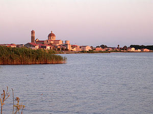 Cabras, Sardinia - View of Cabras from the pond