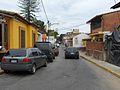Calle en un barrio de Caracas.jpg