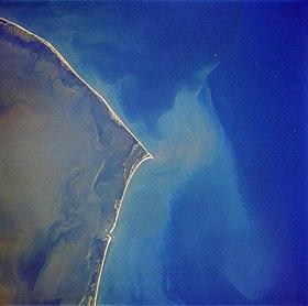 ca1691bbef6 Image satellite de l île Hatteras prise en 1989 avec le cap sur la pointe