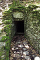 Captage d'une source. Les murs et la galerie sont en pierres sèches..JPG