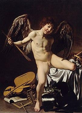 Toile montrant un jeune garçon ailé, tenant des flèches et enjambant des instruments de musique au pied d'un lit.