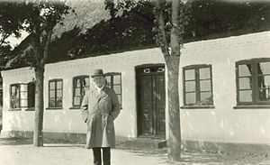 English: Carl Nielsen outside his childhood ho...