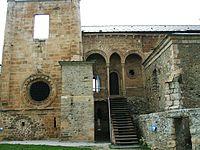 Carracedo (Le) - Monasterio de Santa Maria 07.jpg