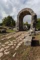 Carsulae, arco di S. Damiano e strada Flaminia 5.jpg