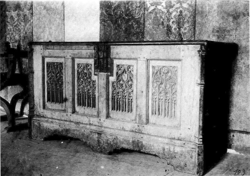 File:Castello d'Issogne, cassone nella sala d'armi - ora al Museo di Torino - fig 103 foto nigra.tif