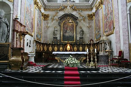 Cathedral Altar (1284980790).jpg