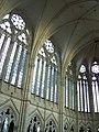 Cathedrale d'Amiens - Grandes verrieres et voutes de la nef.jpg