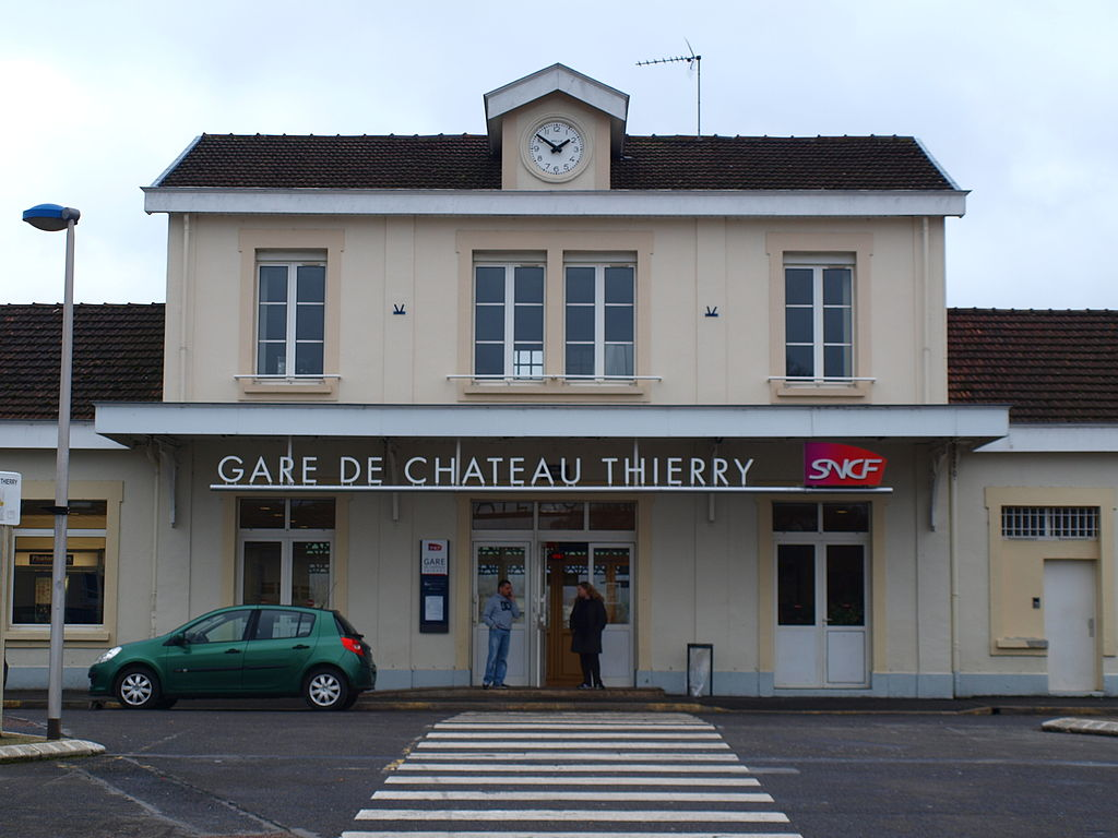 File ch teau thierry 02 gare a01 jpg wikimedia commons for Bureau 02 chateau thierry