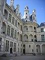 Chambord - château, cour (33).jpg