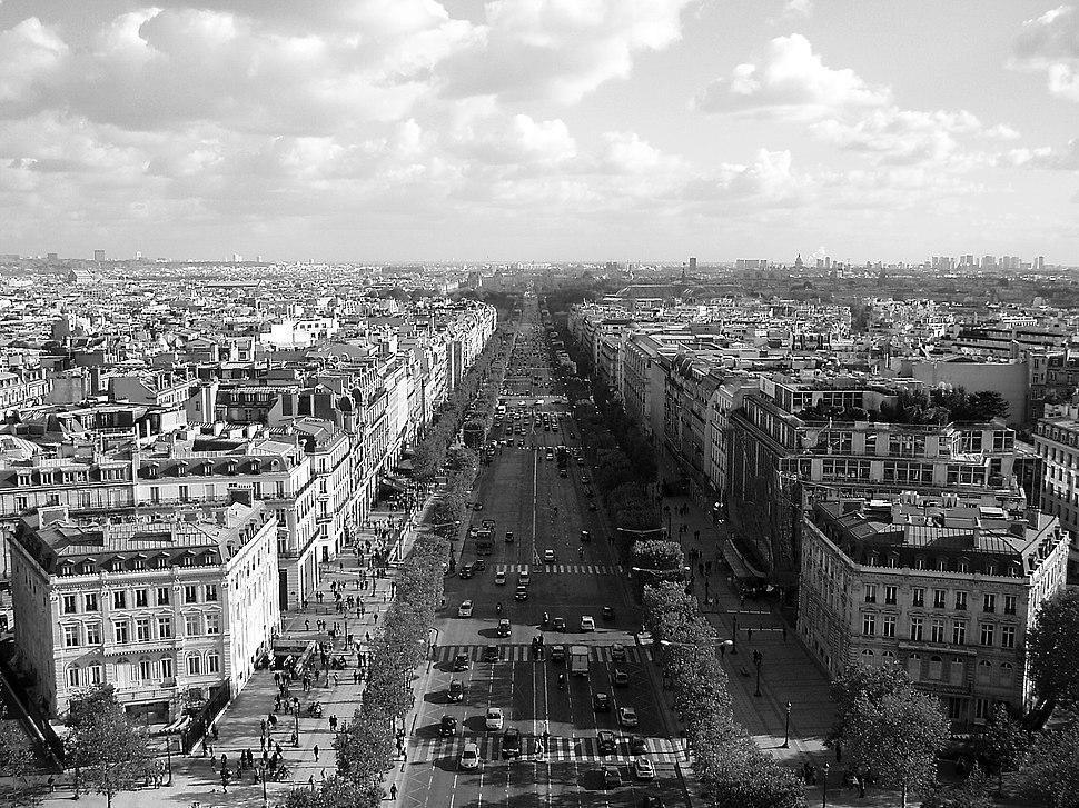 Champs-Élysées from Arc de Triomphe 2006-11-01