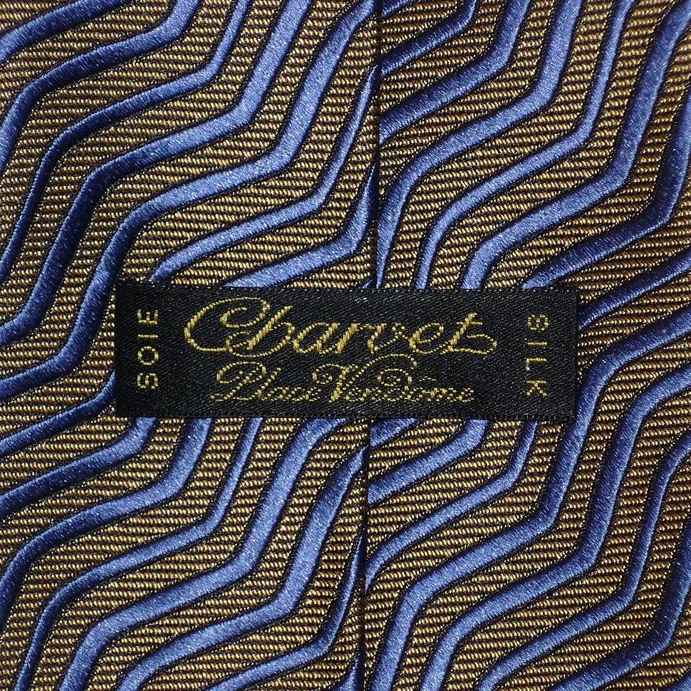 Charvet Paris griffe passe-pan cravate motif rayures