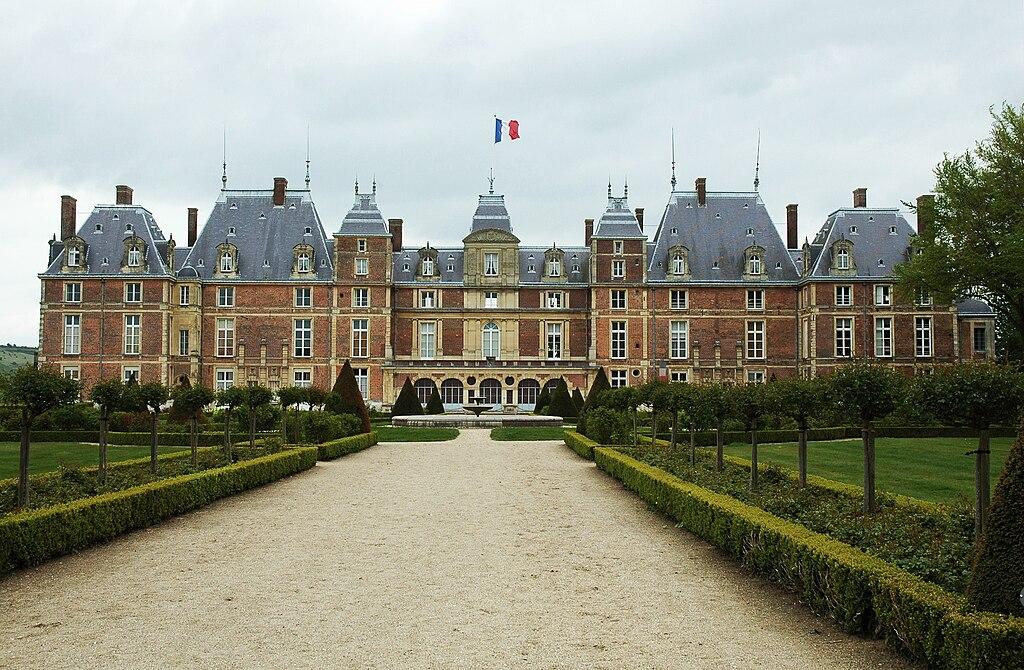 ISABELLE D´ORLEANS  1024px-Chateau_d%27Eu_02